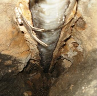 how to fix a broken sewer pipe australia